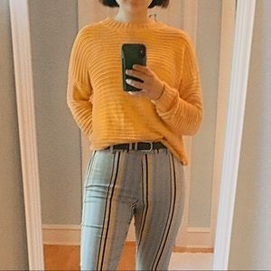 small gold/dark mustard yellow slouchy H&M sweater